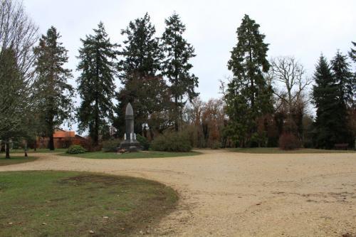 Monument aux morts dans le Jardin Anglais